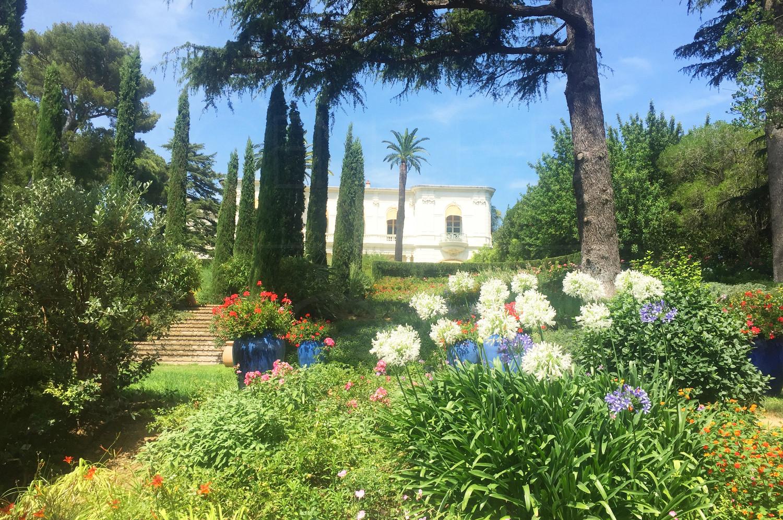 Chateau a vendre var cote d 39 azur pieds dans l 39 eau 2 8 hectares crique priv e - La cremaillere cote mer et hotel cote jardin ...