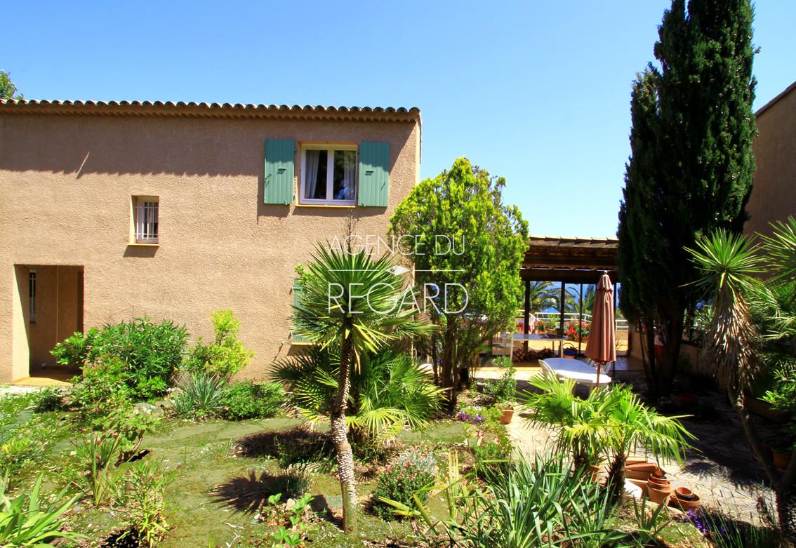 Achat vendre maison villa var sud domaine priv cap for Camping borme les mimosas avec piscine