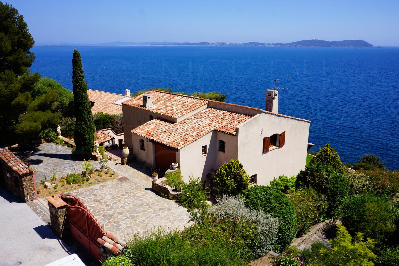 Villa A Vendre Pieds Dans L Eau Cote D Azur