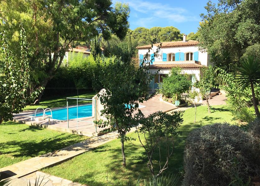 Maison la londe plage a pieds villa avec 5 chambres et piscine var cote d 39 azur domaine - Chambre d hote la londe les maures ...