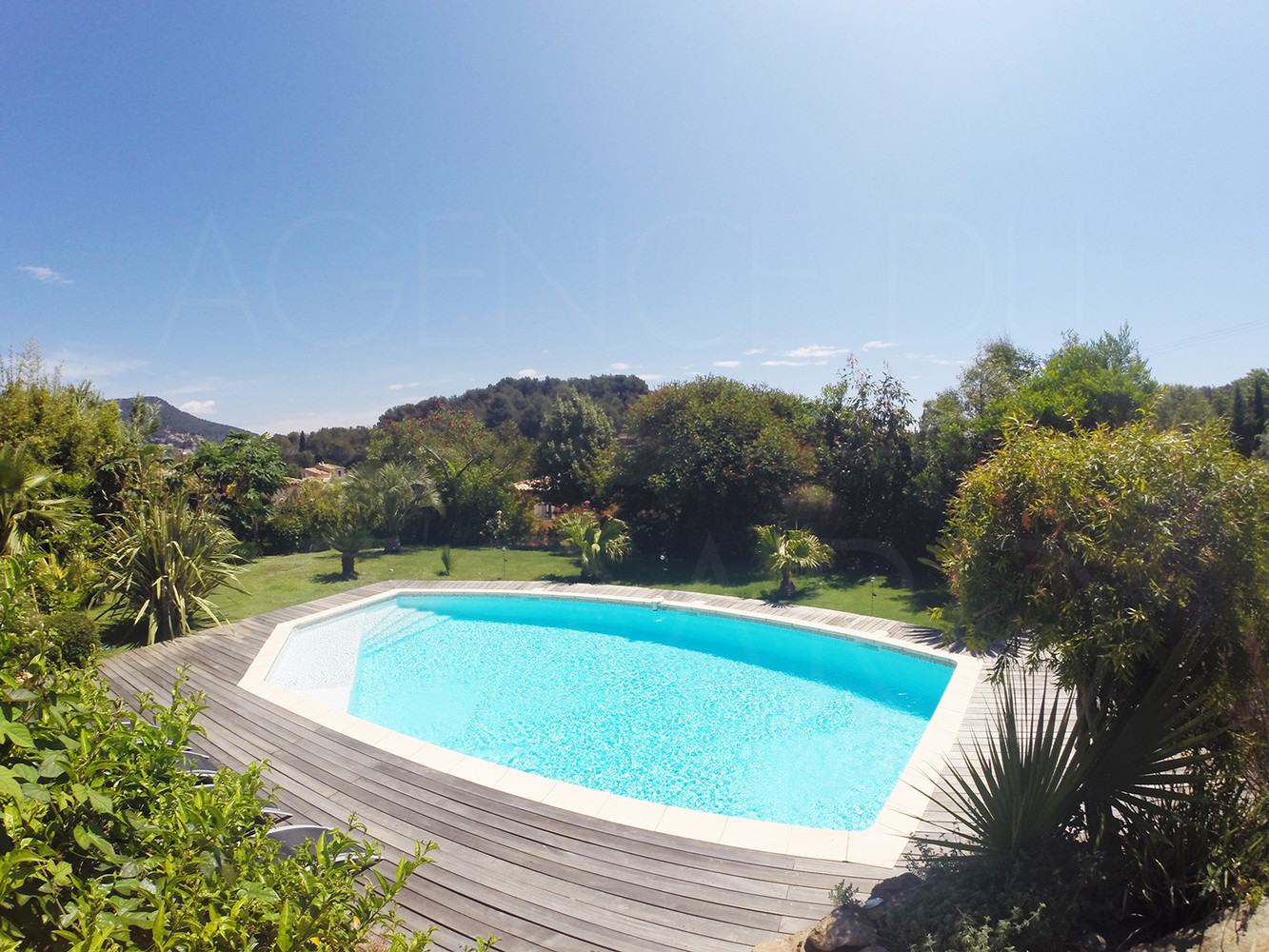 Villa a vendre carqueiranne piscine sud est 3 for Piscine carqueiranne