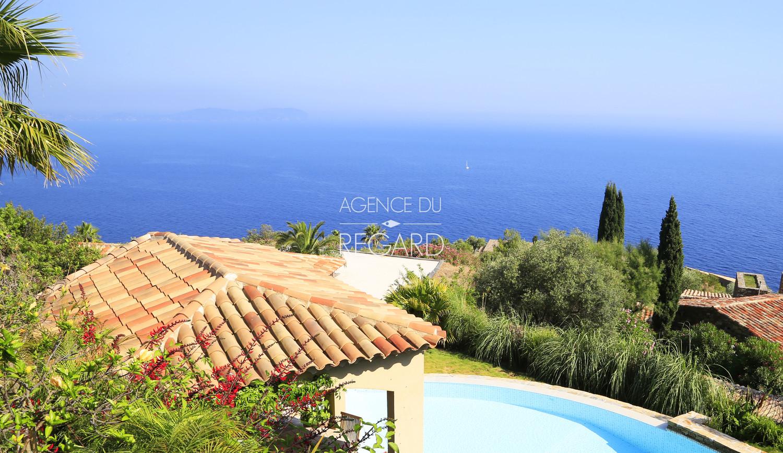 Villa plein sud a carqueiranne face a la mer for Piscine carqueiranne