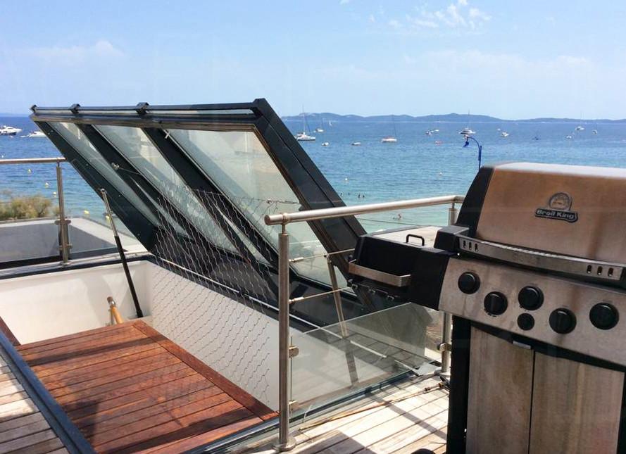 Appartement pieds dans l 39 eau hy res vue mer 2 chambres - Restaurant hyeres bord de mer ...