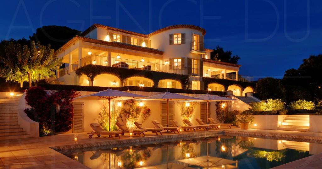 agenceduregard.fr/photos/adr660-achat-a-vendre-villa-maison-propriete-rayol-canadel-proche-st-tropez-vue-mer-piscine-pool-house-appartement-de-gardiens-maison-d-amis-00000363-00003284-lg.jpg