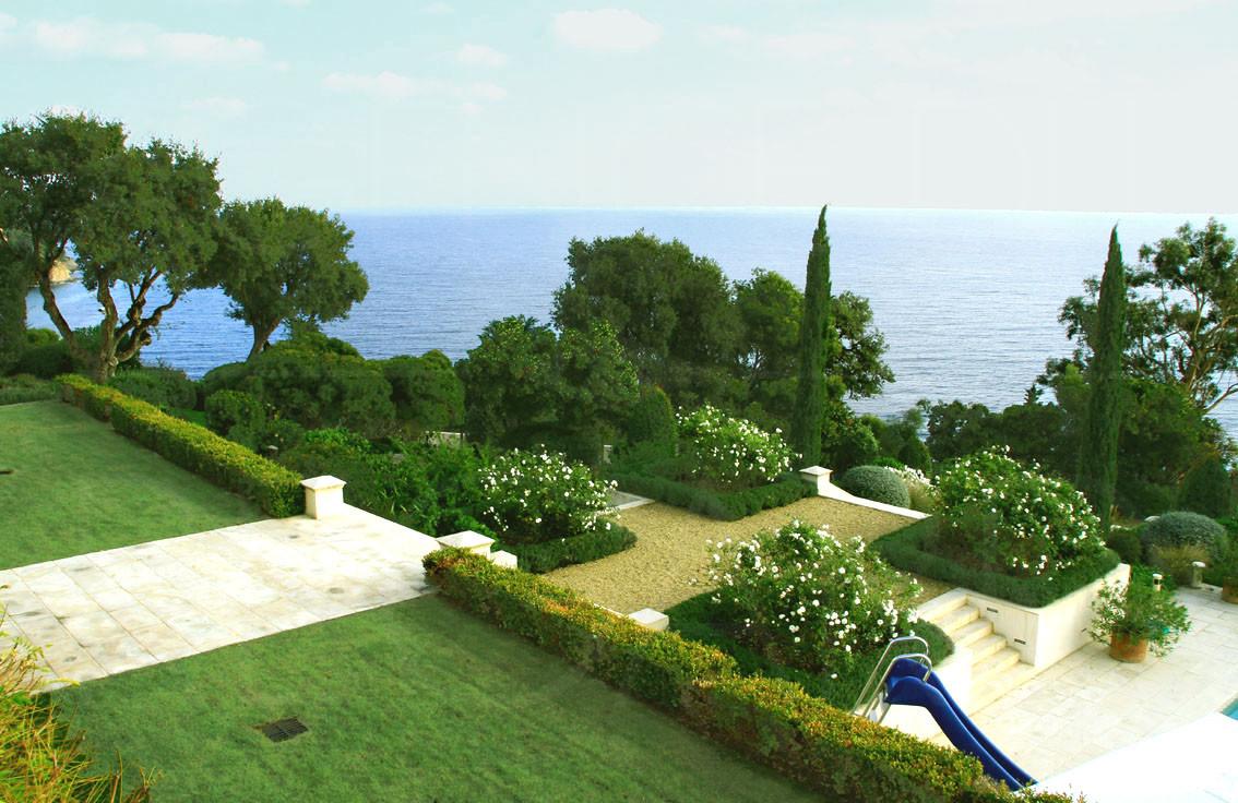 propri t de luxe vue mer rayol canadel piscine. Black Bedroom Furniture Sets. Home Design Ideas