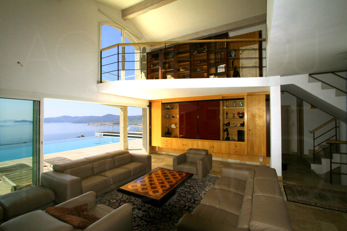 Achat vendre maison villa le lavandou bormes les for Camping lavandou bord de mer avec piscine