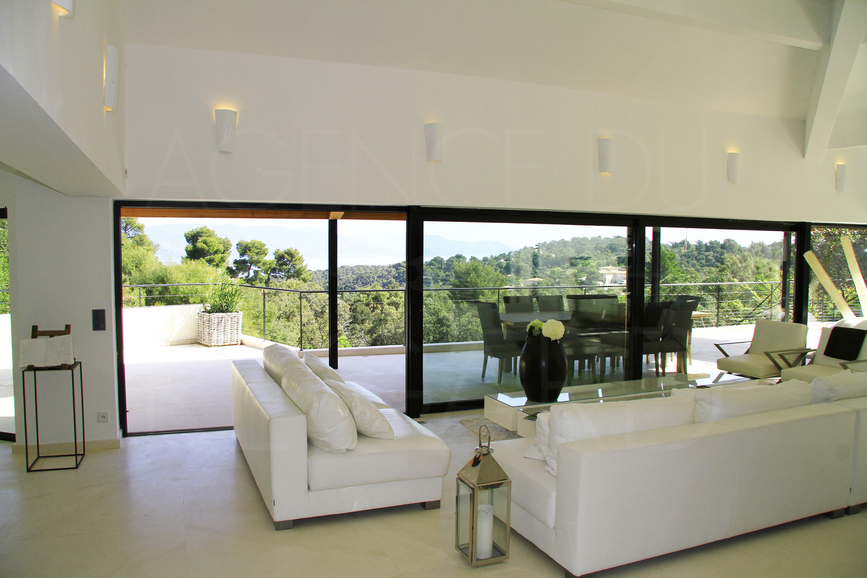 Villa d 39 architecte contemporaine domaine priv et Villas contemporaines de luxe