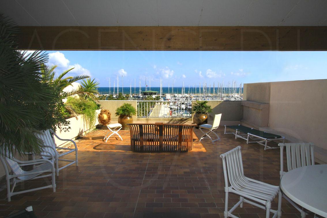 achat   u00e0 vendre  appartement t3  port de hy u00e8res  vue sur mer  terrasse