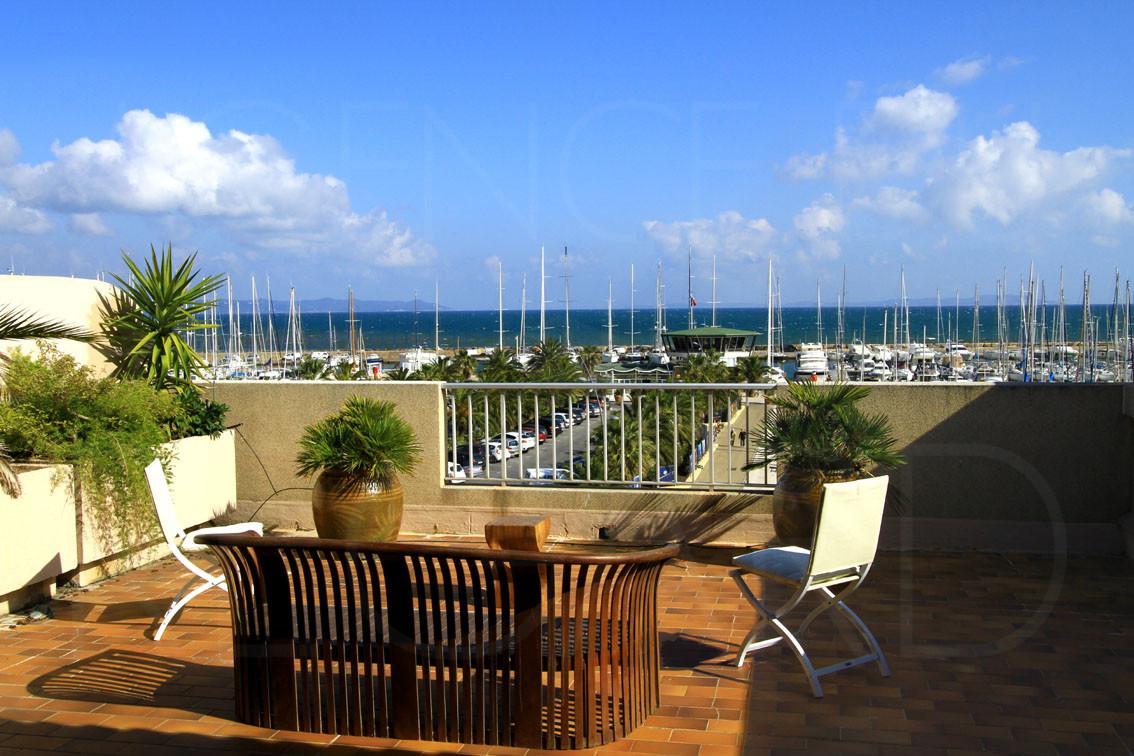 achat vendre appartement t3 port de hy res vue sur mer terrasse. Black Bedroom Furniture Sets. Home Design Ideas