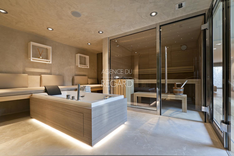 hy res pieds dans l 39 eau plage var contemporaine designer luxe cote d 39 azur piscine. Black Bedroom Furniture Sets. Home Design Ideas