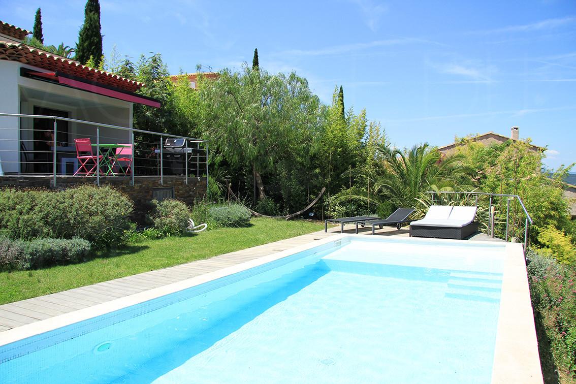 Maison a vendre hyeres vue sur mer 3 chambre maison contemporaine var cote d 39 azur - Piscine debordement mer toulon ...