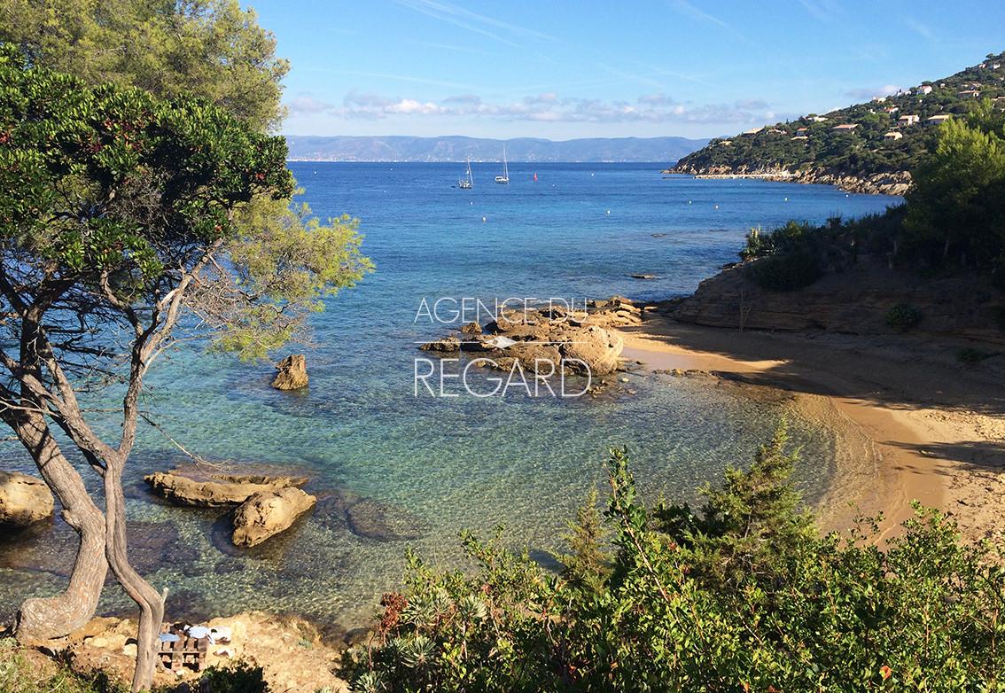 Propri t a vendre sur l 39 ile du levant avec vue mer for Camping au lavandou bord de mer avec piscine